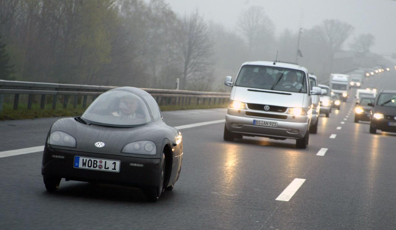 Ferdinand Piech maga vezette a Volkswagen L1-et a bemutatójára