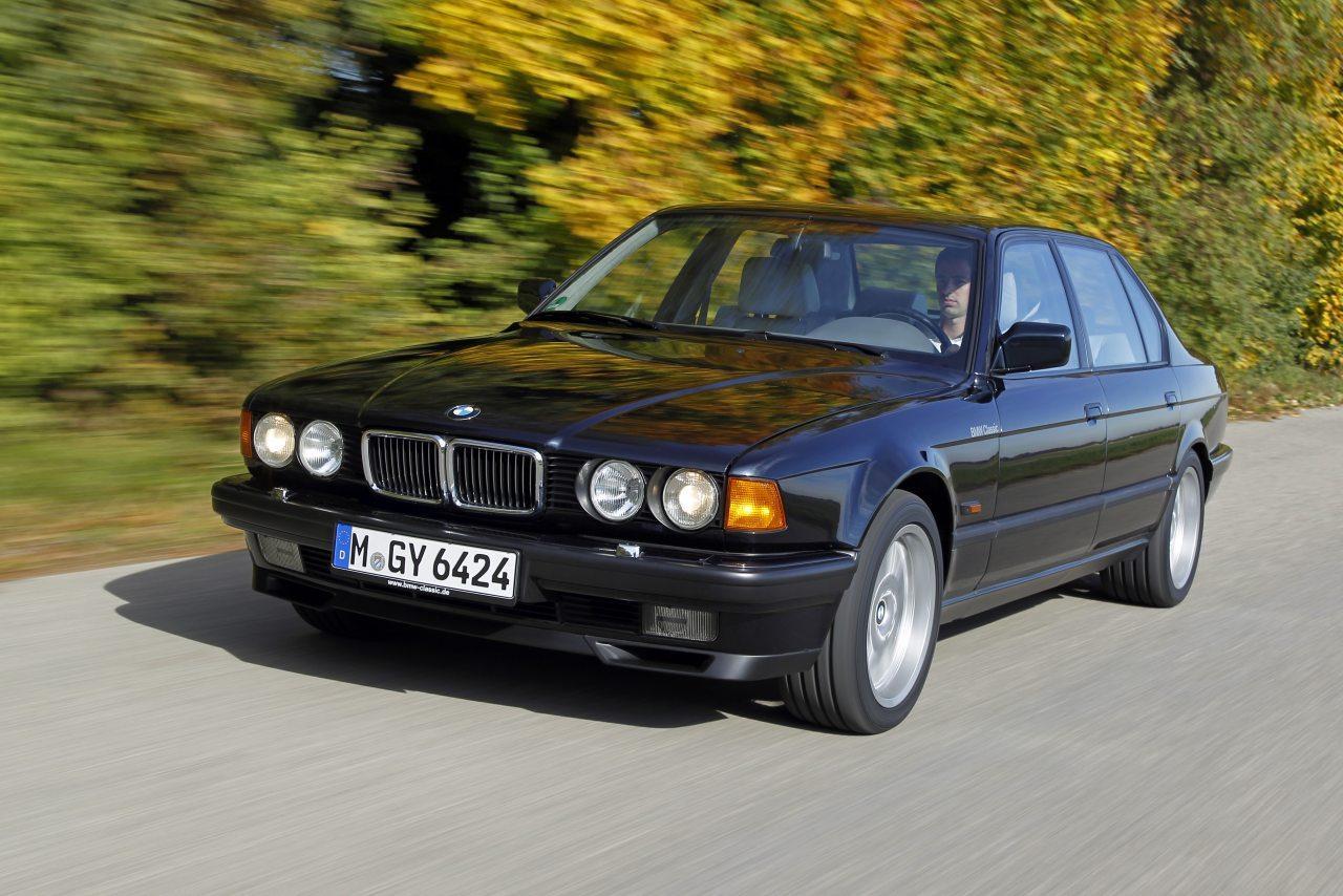 A BMW Hetes sorozatában debütált a Bosch Litronic fényszóró, 1991-ben