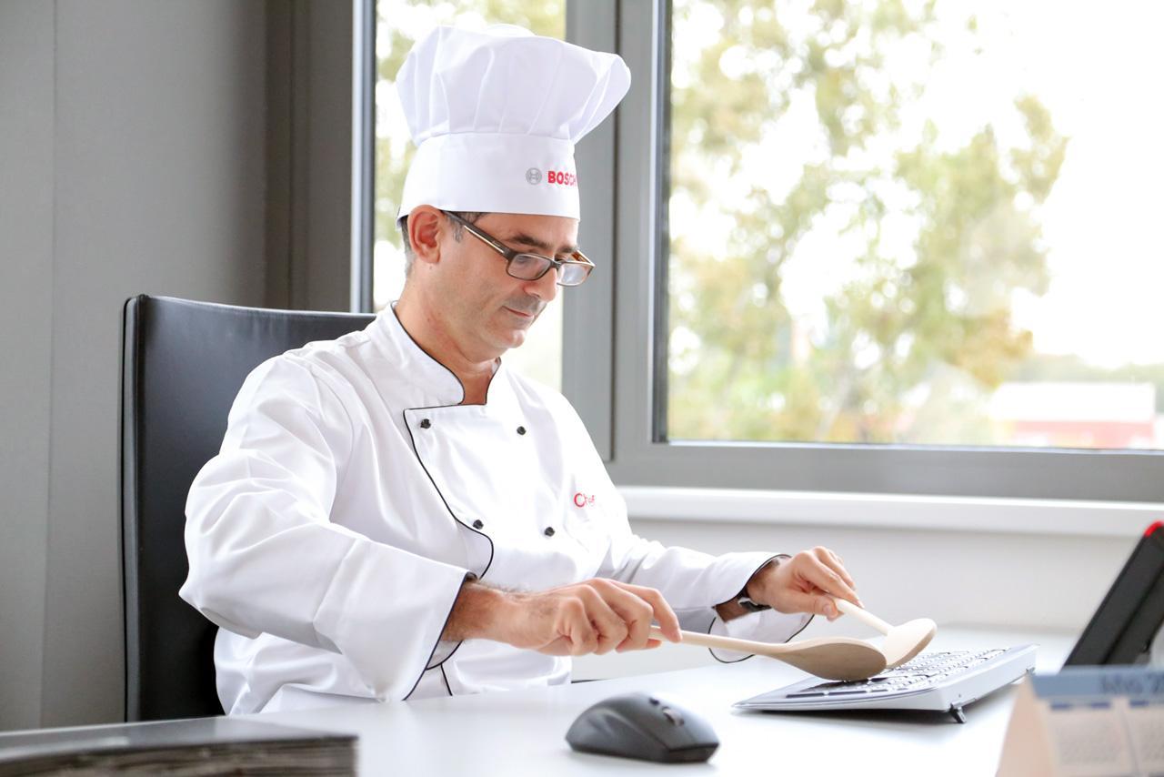 Főszakácsunk már a következő évre is kidolgozta a legjobb recepteket :)