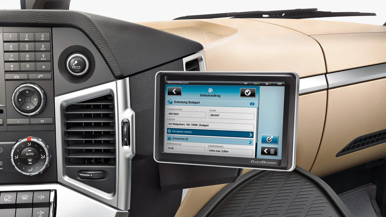 Az információ hatalom – a Mercedes-Benz FleetBoard flottairányító rendszere számos valós idejű információt szolgáltatva segíti hatékonyabbá tenni a fuvarozást, illetve a jármű üzemeltetését