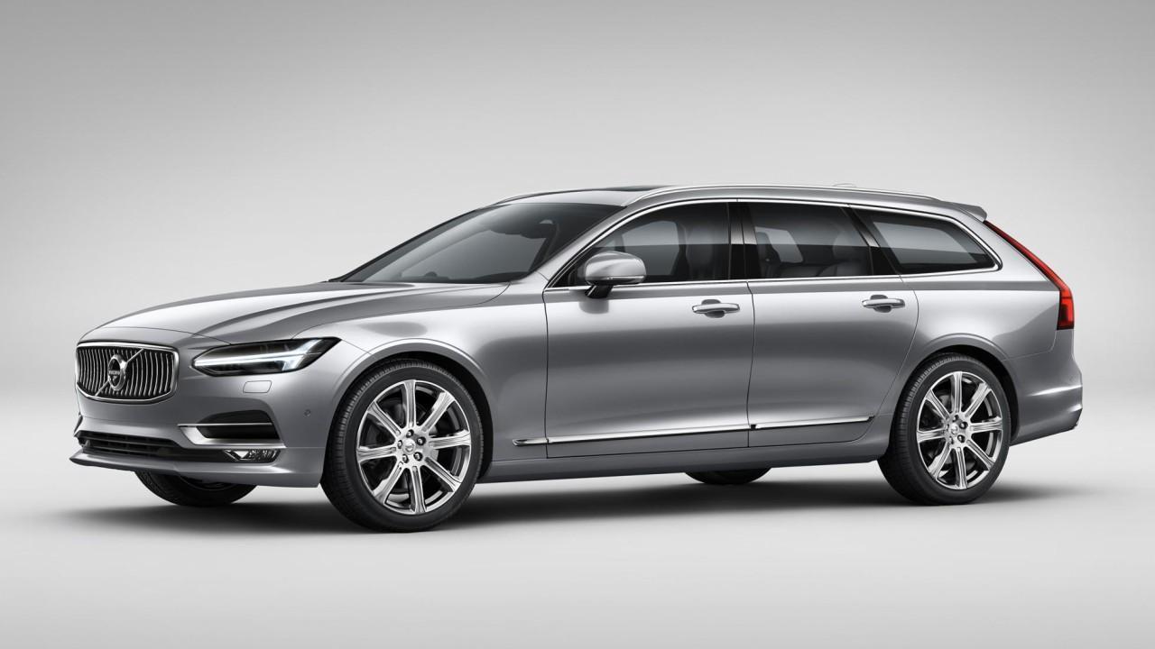 Autópályán haladva szinte már robotautóként viselkedik az új Volvo V90