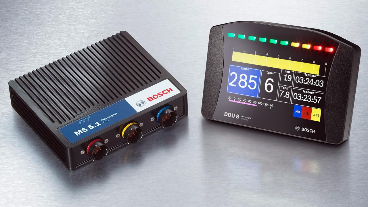 Bosch motorvezérlő és kijelző: minden DTM versenygép közös alkatrésze