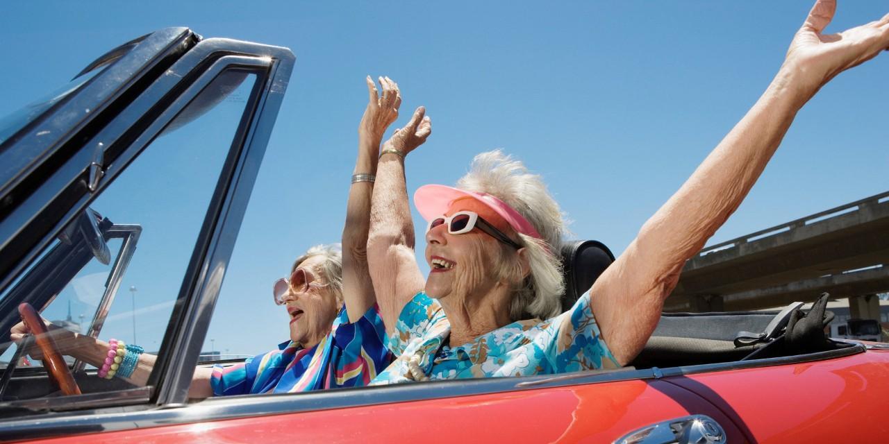 Jelentősen növekedett a 60 év felettiek autóhasználata