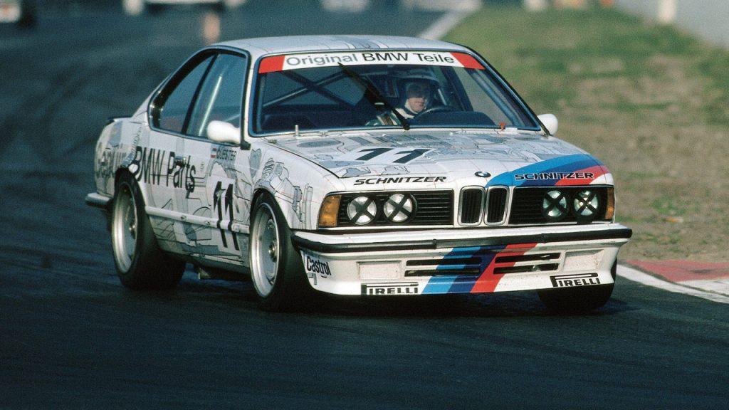 A DTM első évének bajnoka Volker Styrek, aki győzelem nélkül hódította el a címet egy ilyen BMW 635 CSi versenyautóval