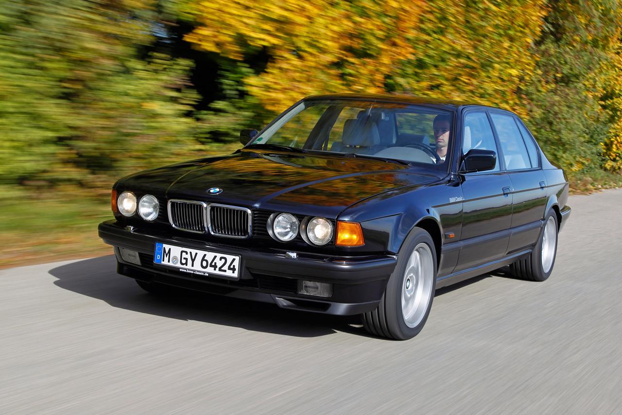 Korának legfejlettebb világítási rendszerével büszkélkedhetett a BMW 1991-ben