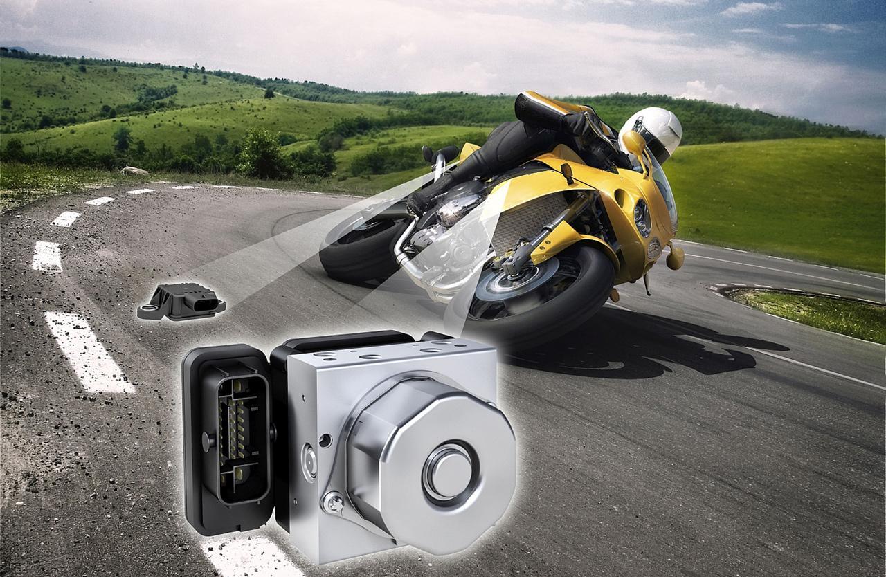 A  motorkerékpároknál csak a közelmúltban kezdett elterjedni a stabilizáló rendszer