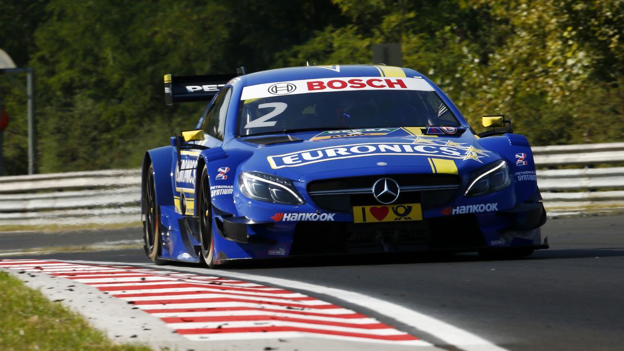 Kiss Norbi történelmet írt, ugyanis az első magyar versenyzőként próbálhatott ki egy DTM versenyautót a hétvége folyamán. Garry Paffett Mercedes-AMG versenygépét vezethette. Mindenkit szeretnénk megnyugtatni, Bosch technológia mindkét versenygépben akad