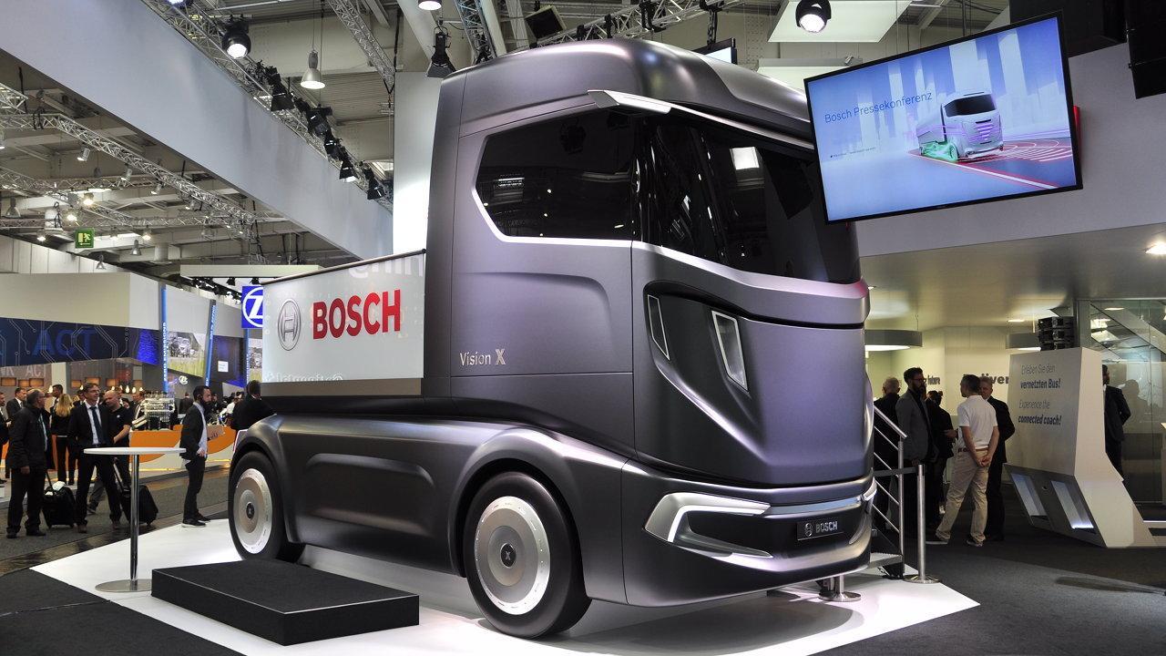 40 tonnás okoseszköz: 2025-re a jelenlegihez képest hatszor annyi szoftverrel és hússzor akkora számítási kapacitással bírnak majd a teherautók