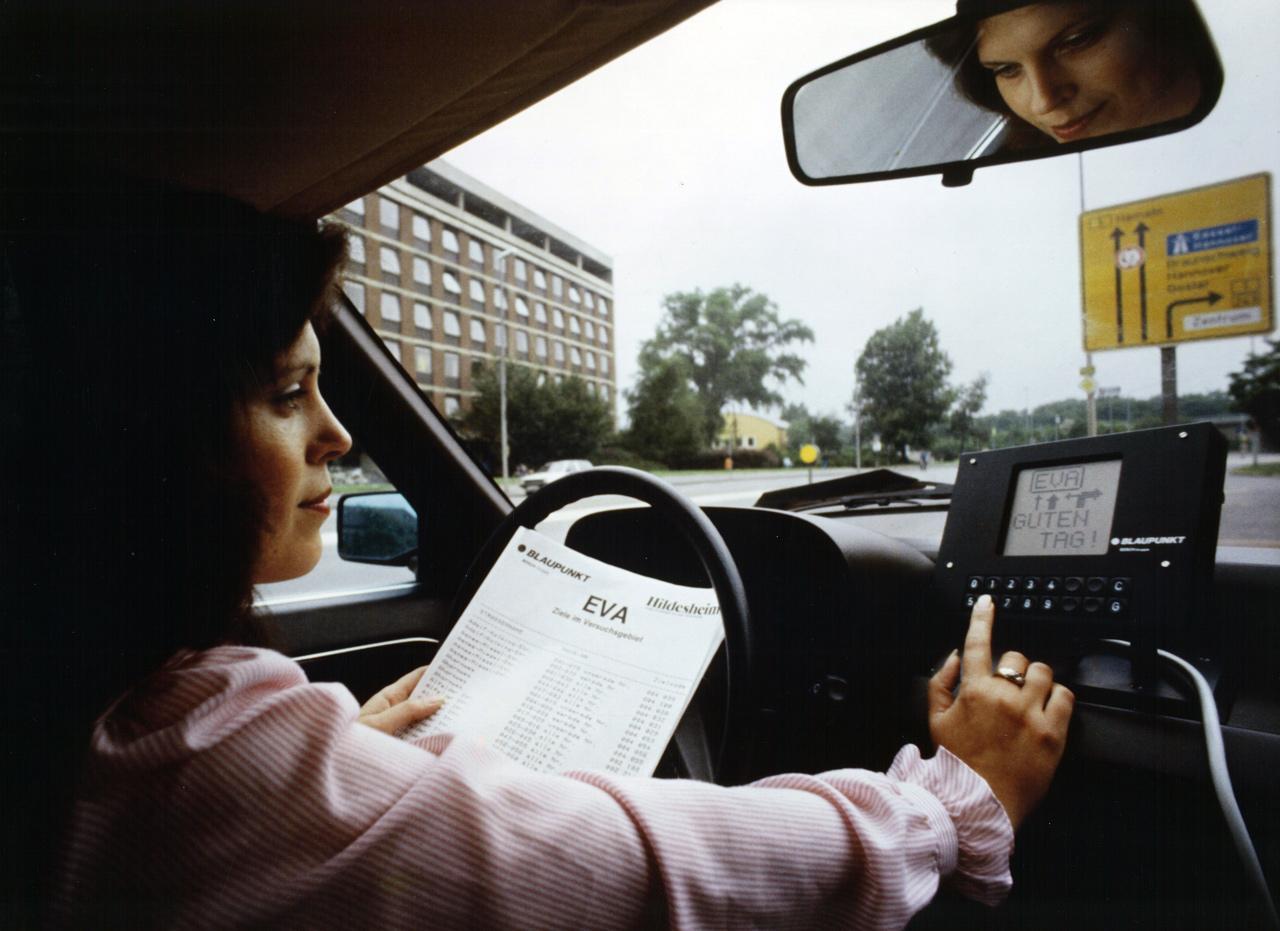 Az EVA névre keresztelt navigációs rendszer tesztje 1983-ban
