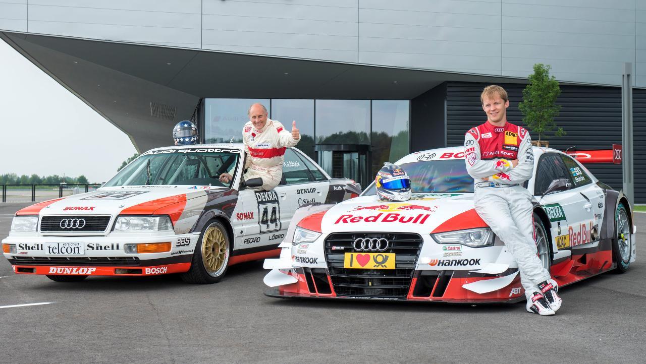 A képen ugyan Stuck integet az Audi V8 quattróból, de ezt a képet muszáj megmutatnunk, annyira hangulatos a két korszak versenyautóival