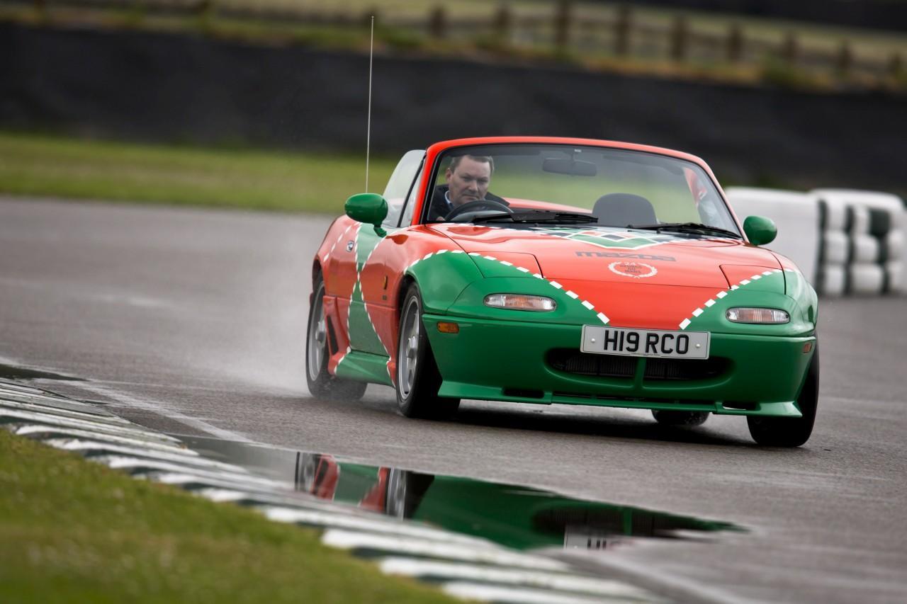 Csupán 24 darab készült 1991-ben a Le Mans-i győztes színezését viselő különleges MX-5 NA modellből