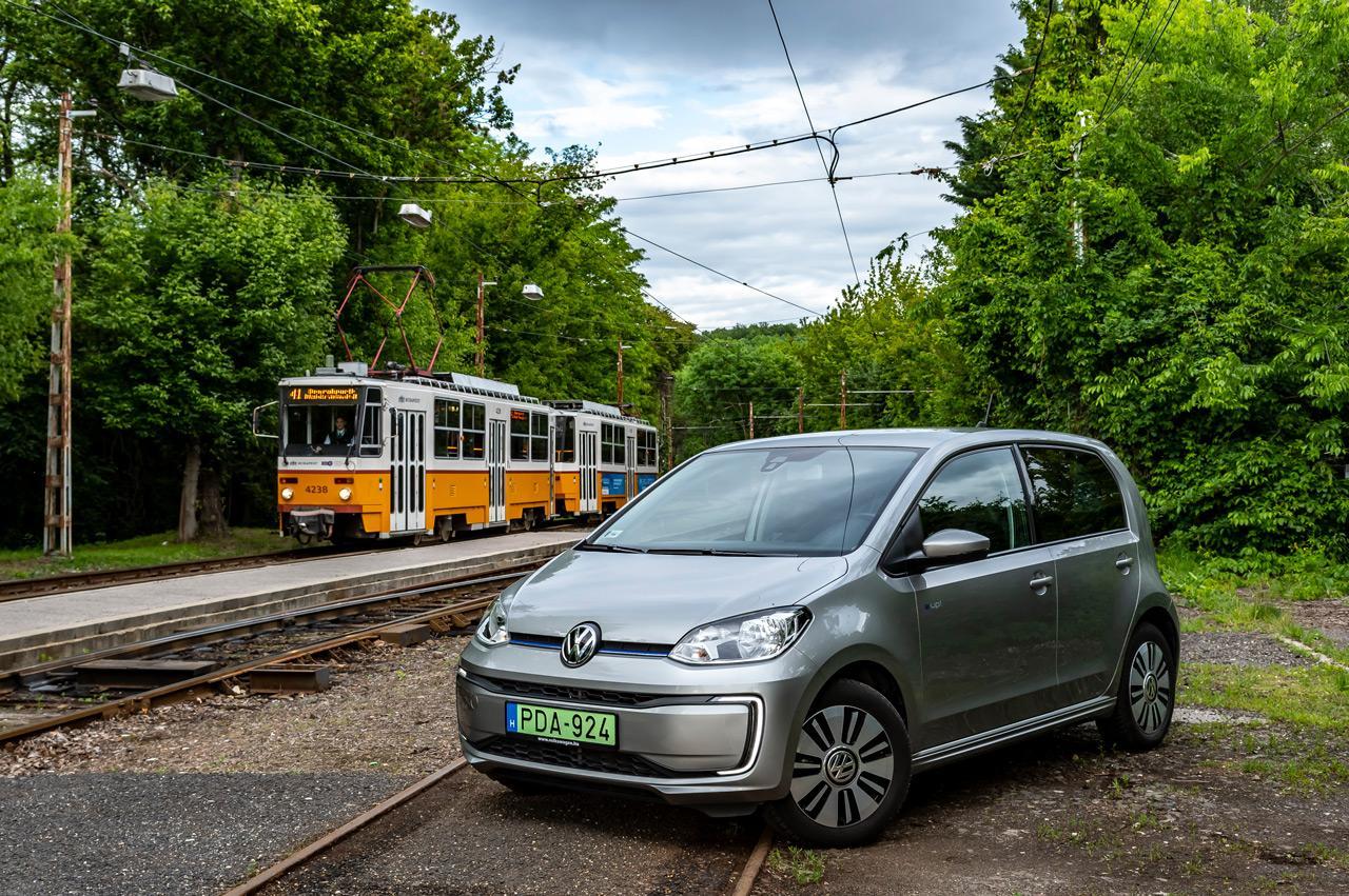 Népszerű budapesti elektromos járművek egymás között