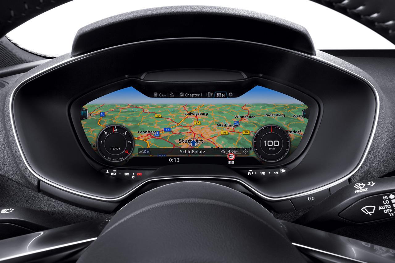 Először 2014-be került programozható digitális műszerfal-panel, ma már a legtöbb gyártó típusaiban elérhető az ilyen megjelenítő