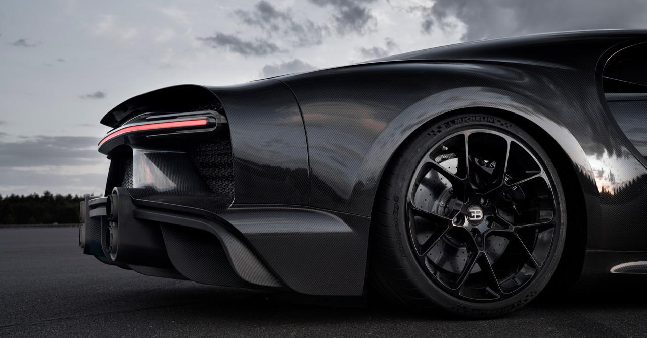 A gumiabroncs nagyon fontos volt a kísérlet során, ezért is dolgozott együtt szorosan a Bugatti a Michelin mérnökeivel