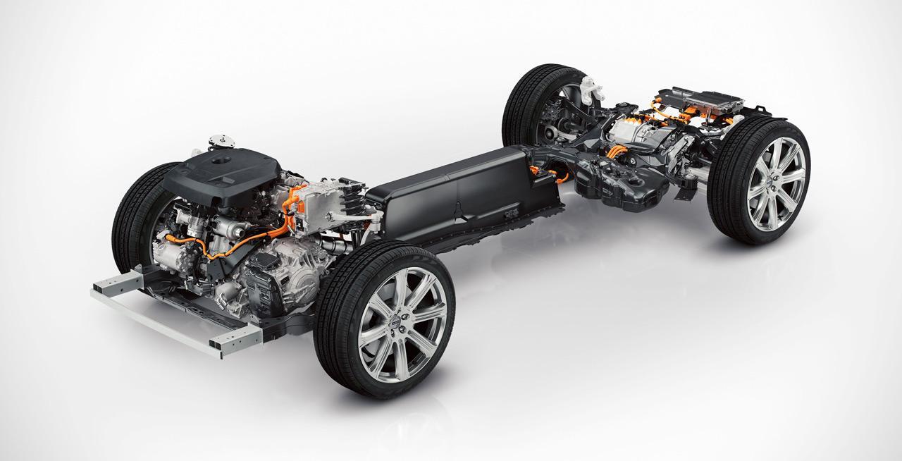 A Volvo V60 Twin Engine plug-in hibrid technológiája a gyártó nagyobb, SPA padlólemezén alapul, a belső égésű motor az első kerekeket hajtja, az elektromotor hátul aktív