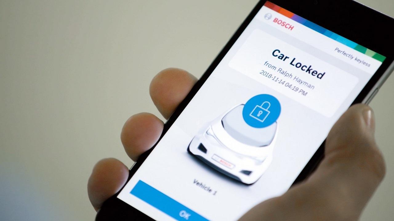 A mobilkészülék egyedi azonosítóit olyan részletességgel figyeli a rendszer, hogy a készülék klónozása esetén sem lesz lopható az autó