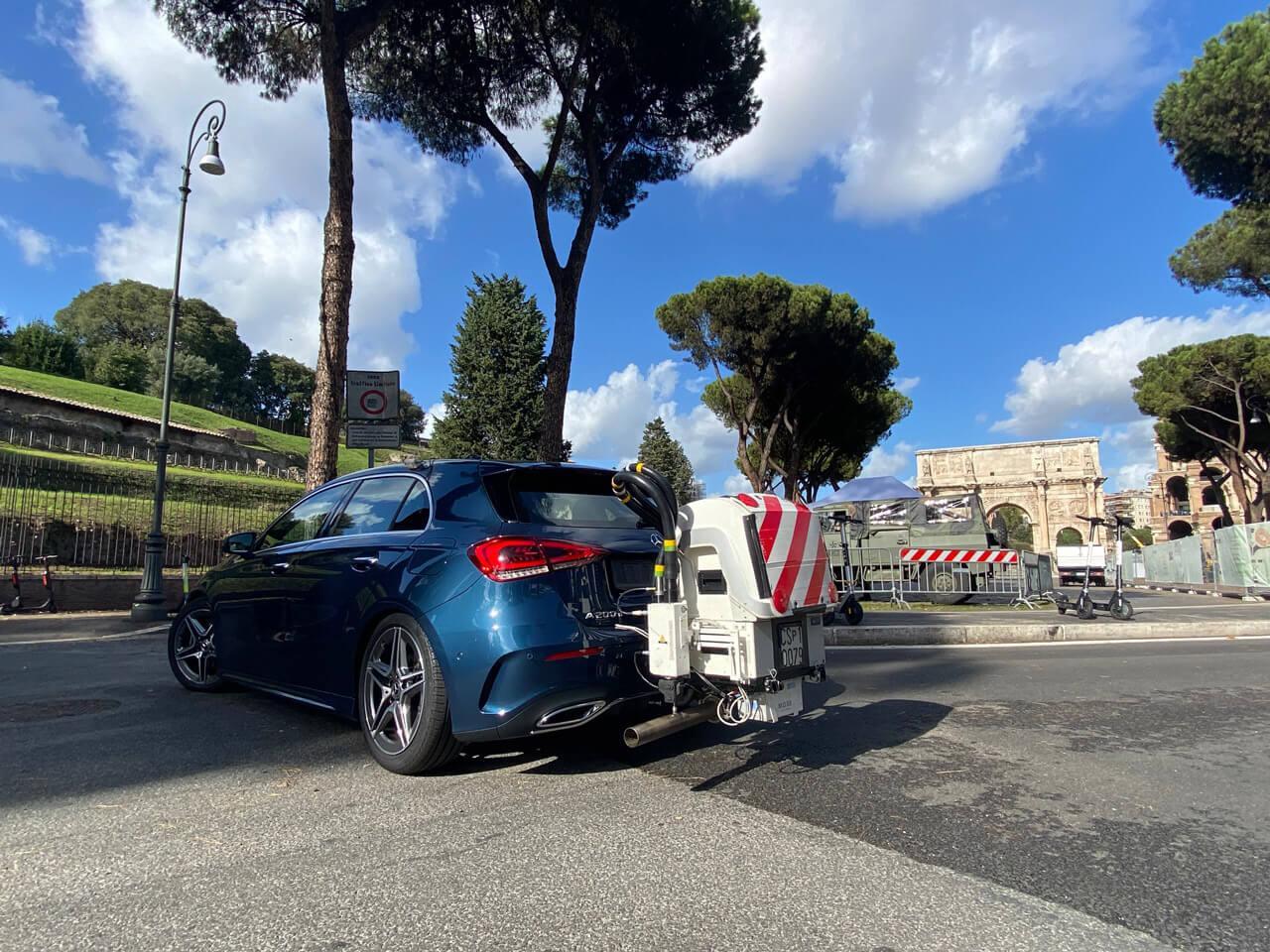 Az autó hátuljára rögzített mobil mérőállomásnak nem lehet hazudni