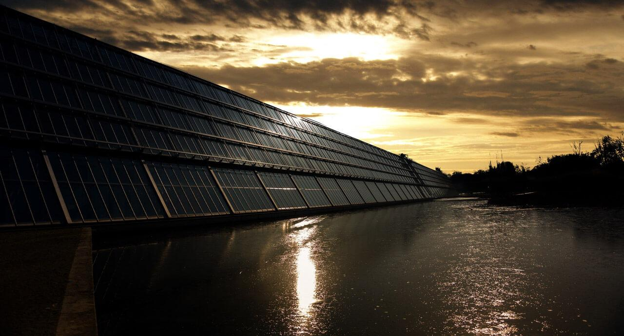 Fontos, hogy a töltéseket úgy időzítsük, hogy a lehető leghatékonyabban használjuk ki a megújuló energiaforrásokat