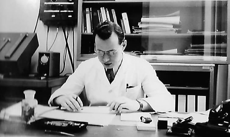 Gotthold Zielasek a fejlesztésekkel foglalkozó egyik úttörő mérnök 1954-ben