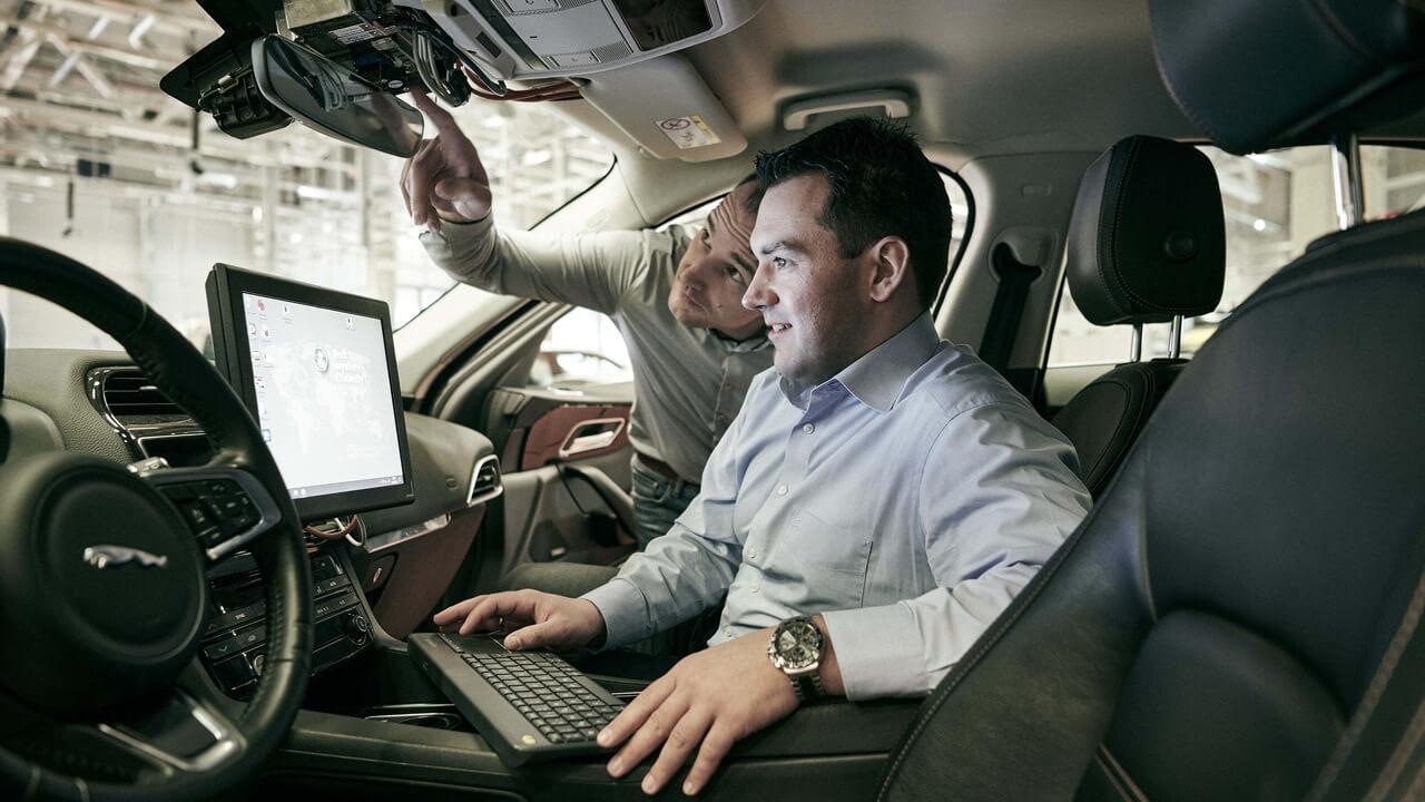 A fejlesztés során sokszor közvetlenül a járműben végezték el a módosításokat mérnökeink