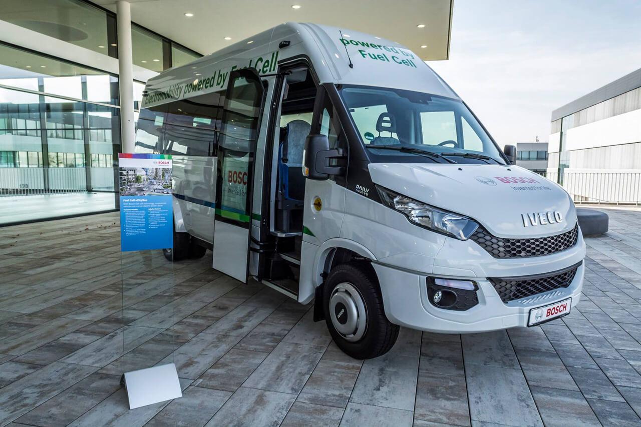 A Bosch régóta kísérletezik a technológiával, személyautók mellett kis és nehéztehergépjárművekben, sőt ipari/lakossági felhasználásban is lát fantáziát a vállalat