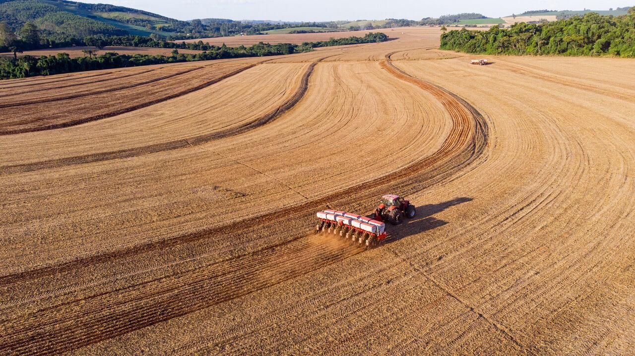 A mezőgazdaságban egyre több szerep jut a GPS-alapú megoldásnak, a Bosch és a BASF közös platformja is támaszkodik erre a technológiára