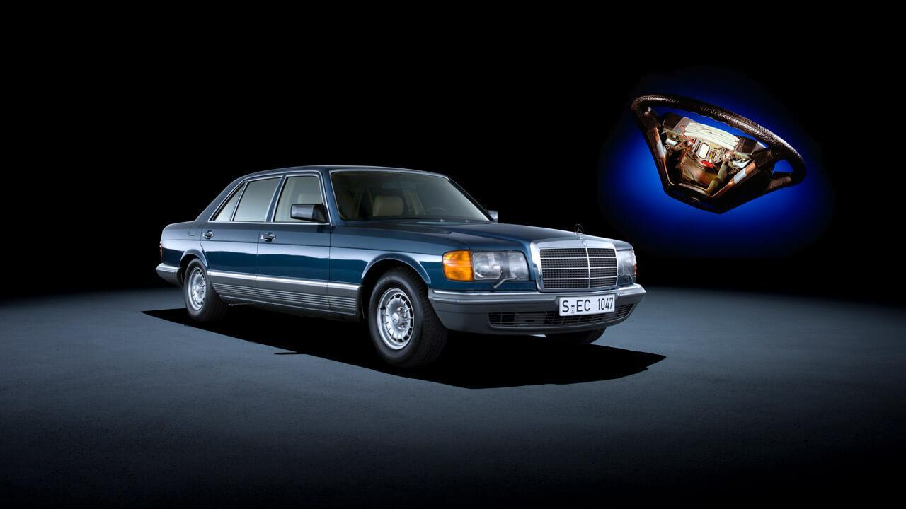 Mint oly sok biztonsági rendszer, a légzsák is a Mercedes-Benz S-osztályában mutatkozott be